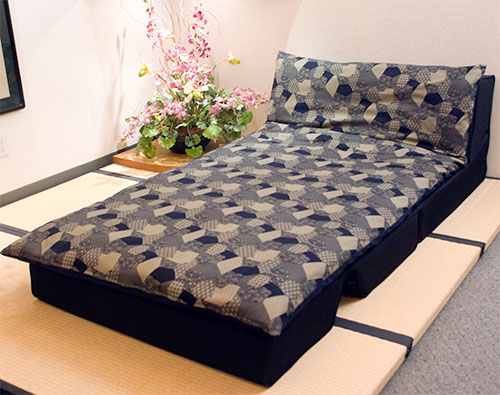 Japanese futon bed jlife japanese traditional shiki futon for Sofa bed japan